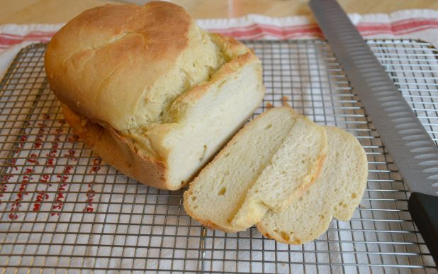 gluten free bread maker bread - replaced the eggs with 2 tbsp Flaxseed meal and 6 tbsp water
