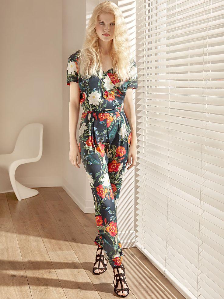 #potisandverso #springsummer #newcollection #ss17 #flowers #pastel #jumpsuit #floral #flowers