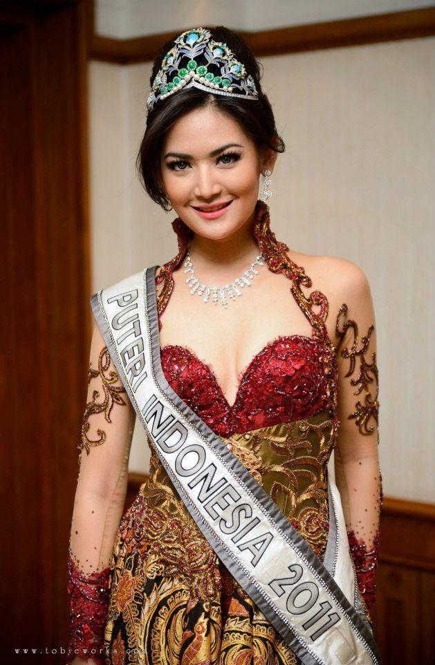 kebaya putri indonesia