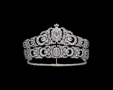 Oltre 1000 idee su corone da principessa su pinterest for Tiara di diamanti