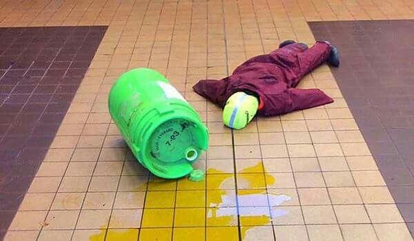Simulacro accidente químico con Dummy y líquido símil químico de Maxpreven España. Se monta operativo químico.