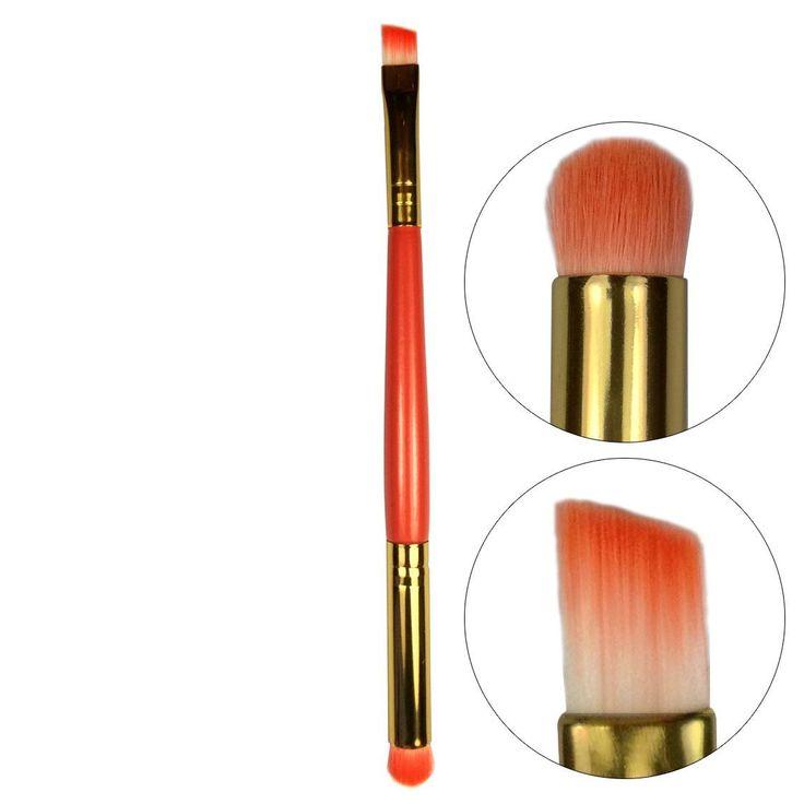 Το Smokey Eyes Brush 15 cmαπό την Technic είναι ένα duo-fiber πινέλο διπλής όψης, για smokey μακιγιάζ. Το λοξό πινέλο είναι ιδανικό για να εφαρμόσετε τη σκιά στο κόκκαλο του φρυδιού και τις γωνίες των ματιών, ενώ το πινέλο με τις στρογγυλεμένες άκρες είναι κατάλληλο για να κάνετε blen