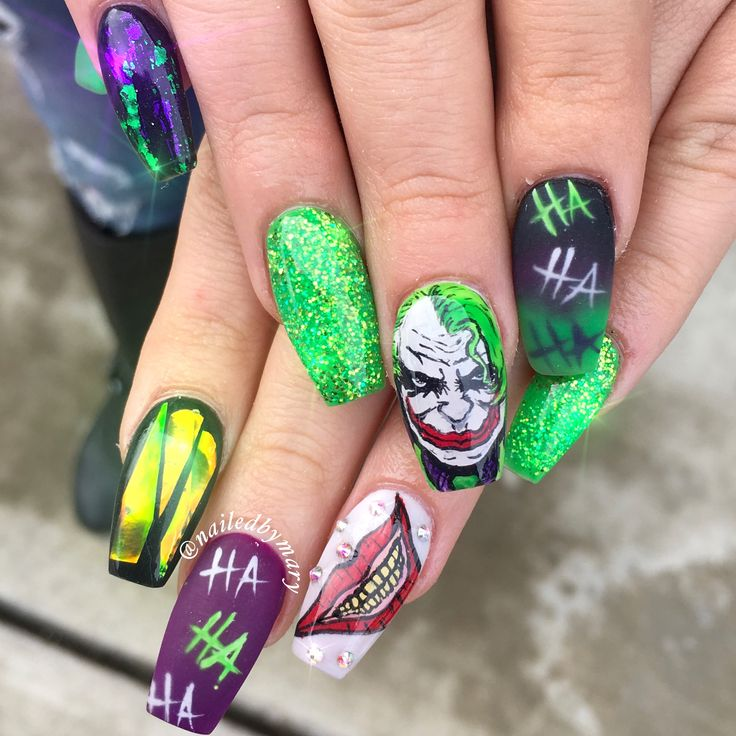 The Joker marvels D.C. Comics nails green acrylic hand ...