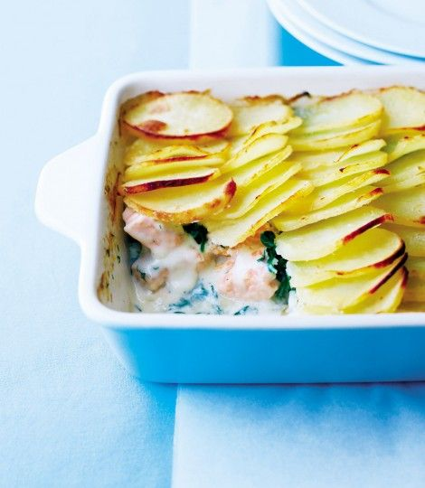 Salmon, Spinach and Dill Potato Bake | This dish is easy to make ahead and freeze, so you can pop it in the oven anytime!