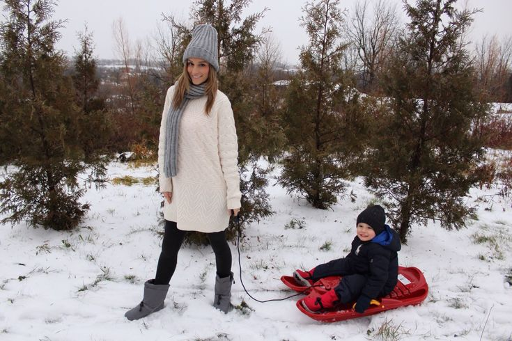 Spending the Weekend in the Snow with Baffin Boots.  Best boots for kids.  Stylish boots for women. #ootd #momblog |sparkleshinylove
