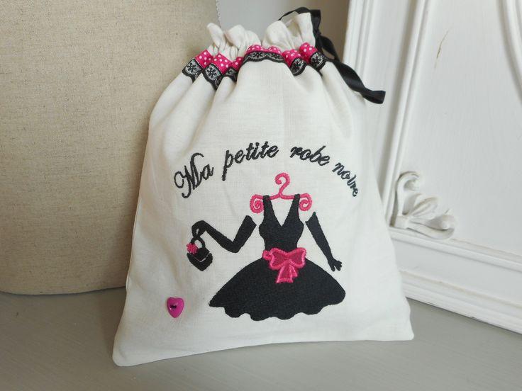 """Pochon à lingerie """"petite robe noire"""" blanc, noir, fushia : Autres sacs par miss-coopecoll"""