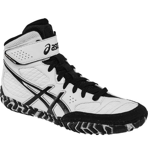 ASICS Aggressor 2 Wrestling Shoes I want these but they don't come small enough