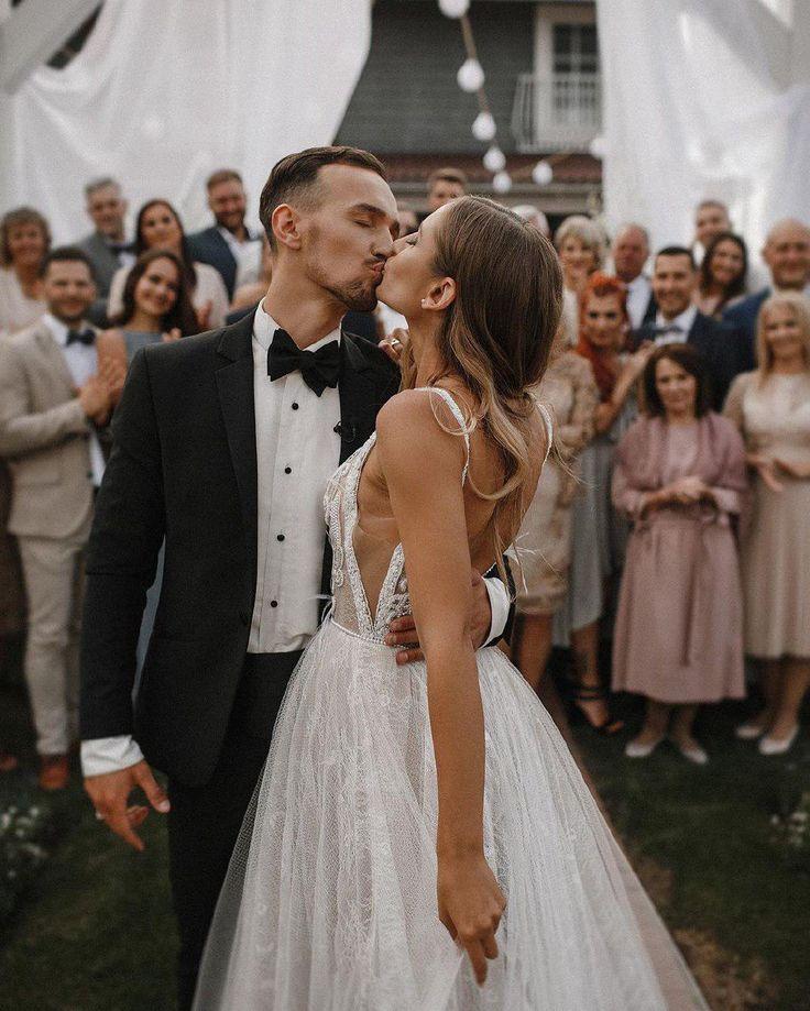 Keep this moment! Wonderful wedding couple and dress by Rara Avis Group!  Do it with passion!  #couplegoals #perfectday #sea #raraavisgroup