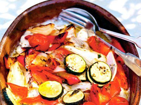 En snabb fiskgratäng som du kan variera med dina favoritgrönsaker. Recept från boken Citroner och rosmarin i mitt kök.
