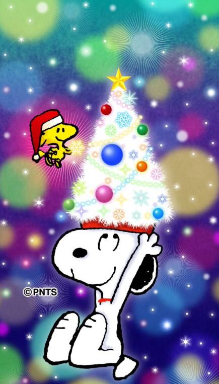 SNOOPY UNDER THE CHRISTMAS TREE