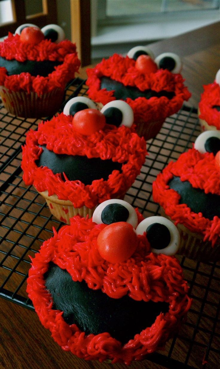 Elmo Birthday Cupcakes! such a good idea for kids