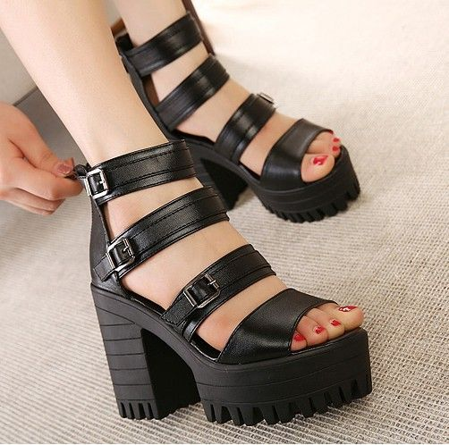 Купить товарЖенщины в сандалии черный платформа обувь женщина лето на завязках сандалии для женщины туфли на высоком каблуке коренастый высокая высокие каблуки A887 в категории Сандалиина AliExpress.                                        Наш продукт стандартный размер
