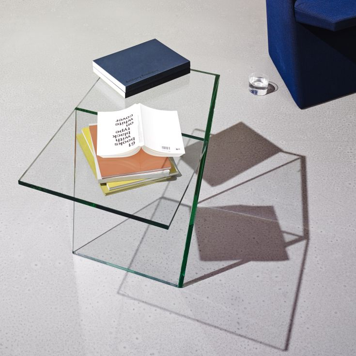 The invisible side table.