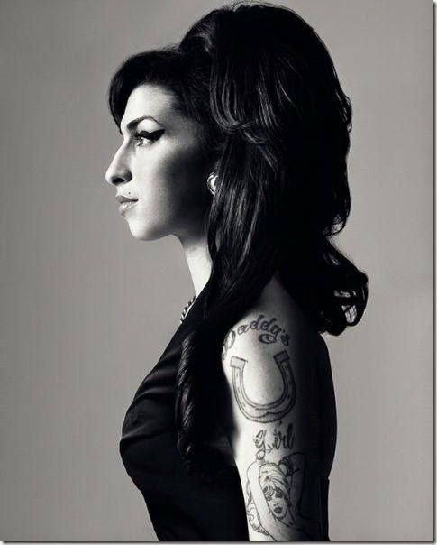 Amy Winehouse © Bryan Adams. Bryan Adamses un músico, cantante y compositor y fotógrafo canadiense (nació el 5 de Noviembre de 1959 en Kingston, Ontario).