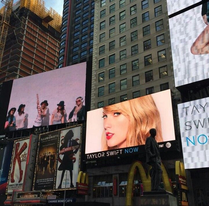 Taylor Swift NOW advertisements in Time Square in NYC!