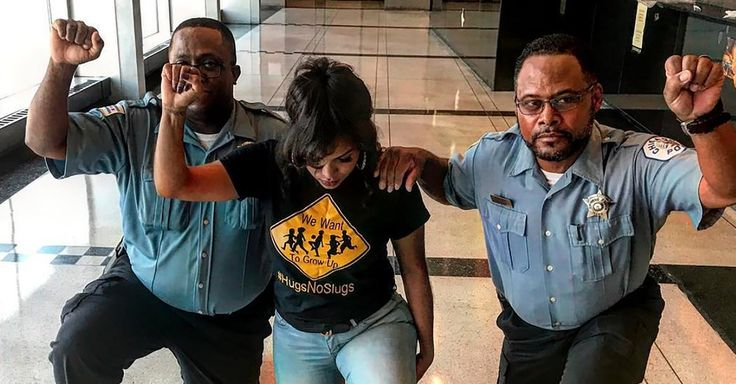 #MONSTASQUADD 2 Chicago Police Officers Take a Knee, and Get a Reprimand