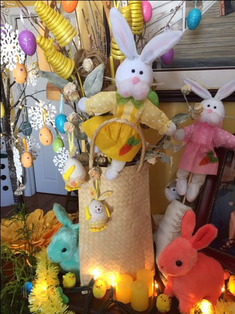 🐰Easter time ,  add some bright colours to your mantle , start with bright coloured eggs and bunnies 🐇🐰