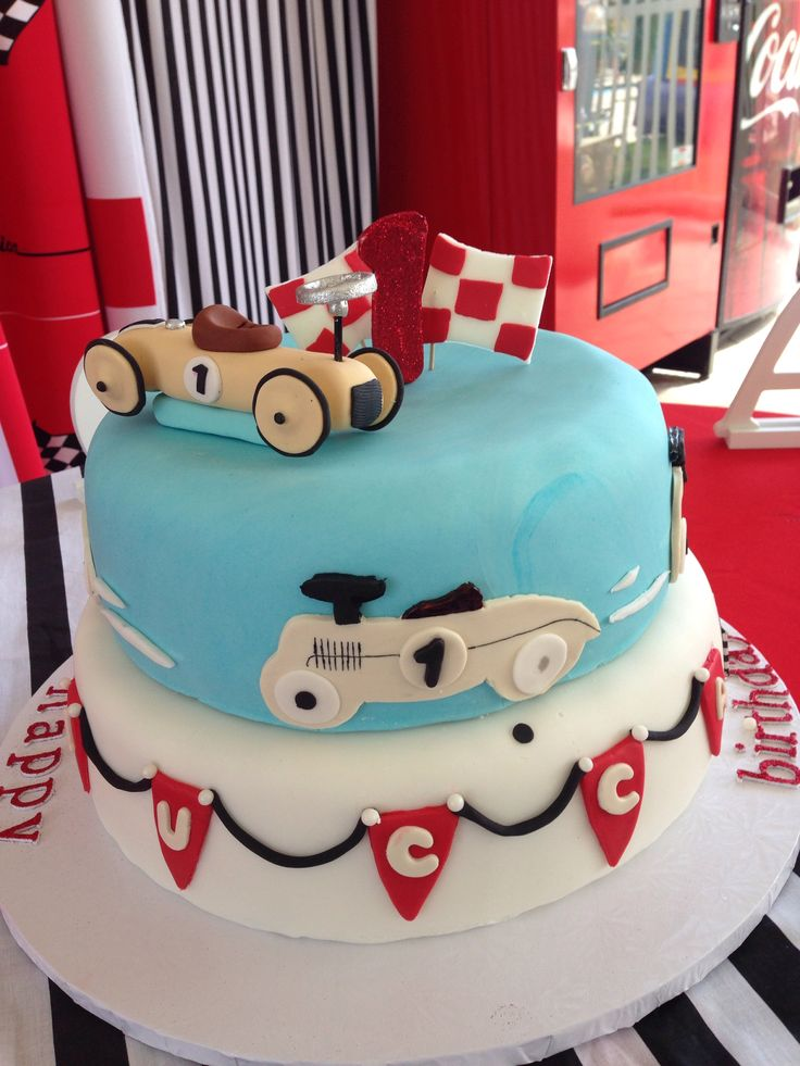 Vintage car cake idea for William