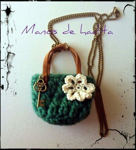 Colgante bolso crochet miniatura 2