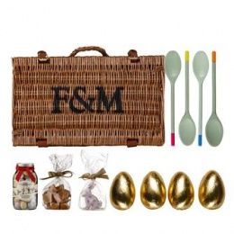 Egg-and-Spoon Race Easter Hamper #Easter Gifts http://www.giftgenies.com/presents/egg-and-spoon-race-easter-hamper