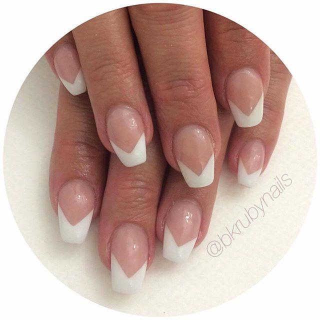 Bokningsinformation: Terapeut: @bkrubynails  Salong tel: 031-21 77 77 Online: www.nailshape.se  FB: Nail Shape by Sweden Vi är även en SANSA-godkänd nagelskola med både grund- och vidareutbildningar, och du hittar mängder av grymma produkter i vår butik!  #nailprodigy #nagelterapeut #instagood #nailtech #follow #naglar #nails #nailsystems #fashion #nagelförlängning #nsi #nsinails #glitter #instanails #acrylicnails #akrylnaglar #beauty #beautiful #amazing #nailart #cute #naglargöteborg…
