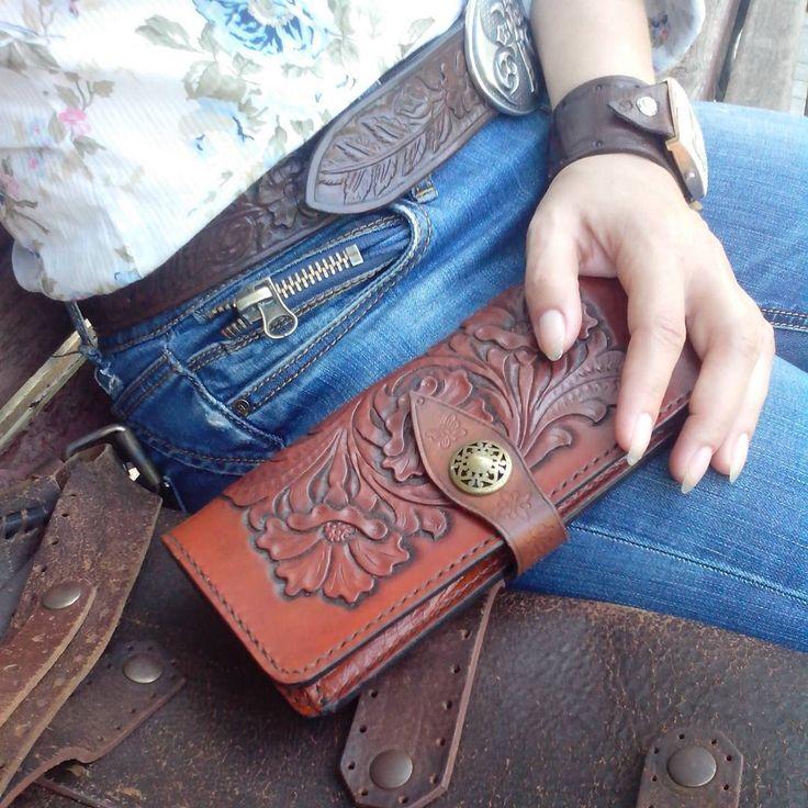 [#leathercraft] [#leathercrafts] [#leathercrafting] [#leathercrafted] [#leathercrafter] [#leathercraftph] [#leathercraftsma] [#leathercraftworkshop][#leathercraftsworkshop] [#leathercraftsmen] [#leatherbelt] [#leatherbelts] [#leatherwallet] [#leatherwallets] [#leatherbracelet] [#leatherbracelets] [#кожаныеизделия] [#кожаныйремень] [#кожаныйбумажник] [#кожаныйбраслет] [#ременьручнойработы] [#бумажникручнойработы][#карвинг] [#холодноетиснение][#ручнаяработа] [#кожарастительногодубления]…