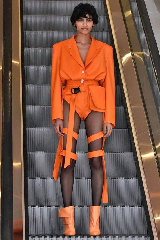 Fashion Week London Fall/Winter 2019 look 30 from the Natasha Zinko collection womenswear Haute Couture Style, Couture Mode, Couture Fashion, Runway Fashion, Fashion Trends, Weird Fashion, Look Fashion, High Fashion, Fashion Show
