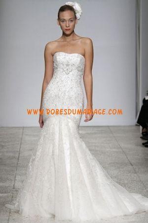 Kenneth Pool Robe de robe de mariée sans bretelle longue sirène ornée de perle et broderie organza