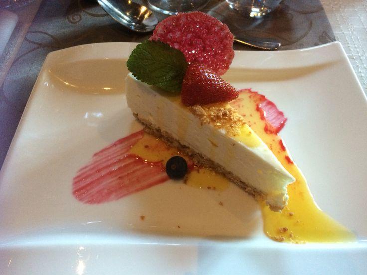 Lemon and cheese cake