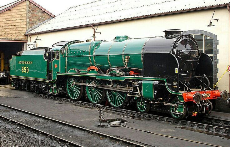 BR (Southern) Lord Nelson class 4-6-0 No 850 'Lord Nelson'