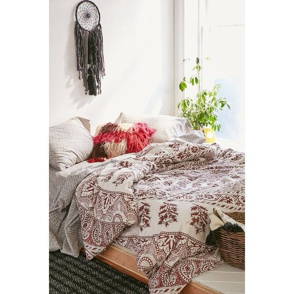 plum u0026 bow kerala medallion comforter snooze set 295 cad liked on polyvore featuring home bed u0026 bath bedding maroon twin xl flat sheet king pillow