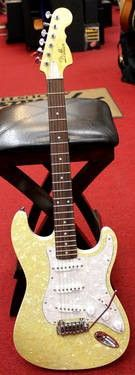 Dillion DPS-100 TA Champagne Pearl Strat Style Electric Guitar for Sale in Glen Park, New York Classified | AmericanListed.com