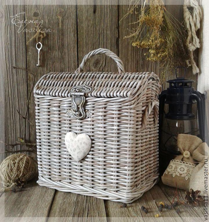 Купить Сундучок со сказками плетеный - плетеный сундучок, чемоданчик, необычная корзинка, старинный