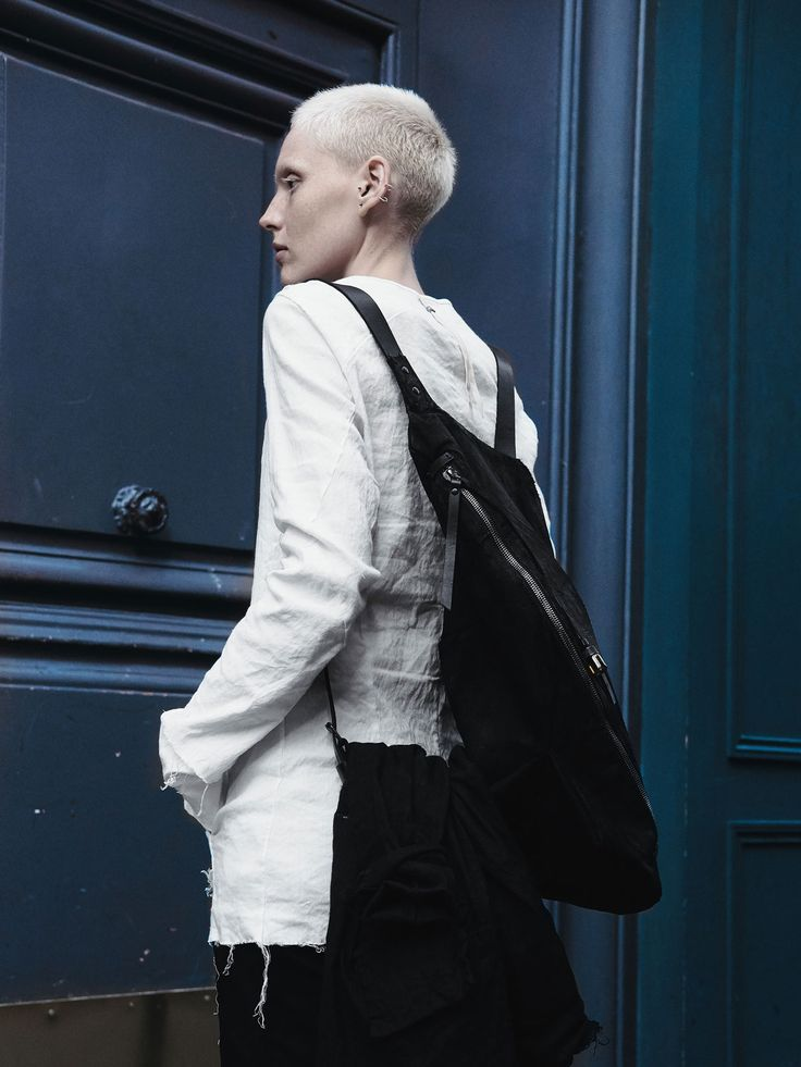 ytn7 – Leather rucksack - 077Y - white – Asymmetric leather rucksack, can use as a bag and shoulder bag. Easily accommodates MacBook'15.  - Large main compartment lined with a beige leather - One main compartment - Small pocket to the rear - Adjustable shoulder straps - Zipper closure to the main compartment - Hand dyed leather with tonal stitching - Due to the nature of this...