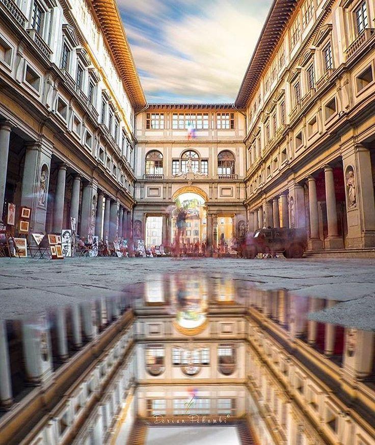 Un buongiorno psichedelico contro il freddo in arrivocon la foto di @dorpell . Saluti dagli Uffizi! . #igersfirenze #igerstoscana #igersitalia