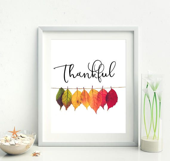 Thankful. Add a little bit of autumn magic to your home. Thanksgiving decor | Autumn leaves | Thankful printable