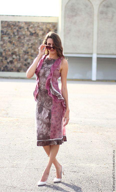 Купить Стильное валяное платье Dots - бордовый, светло-бордовое платье, валяное платье / Felted dress