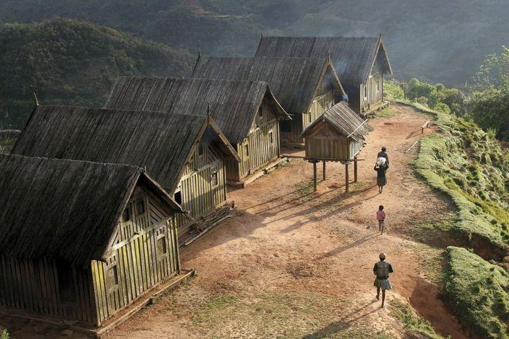 Maison du village Zafimaniry les toits sont fais à partir de bambous