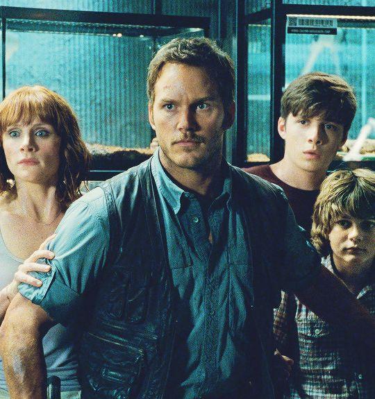 Chris Pratt, Bryce Dallas Howard, Ty Simpkins, and Nick Robinson in a new JURASSIC WORLD still
