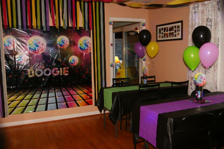 Just dance disco party wall decor idea streamers for 70 s decoration ideas party