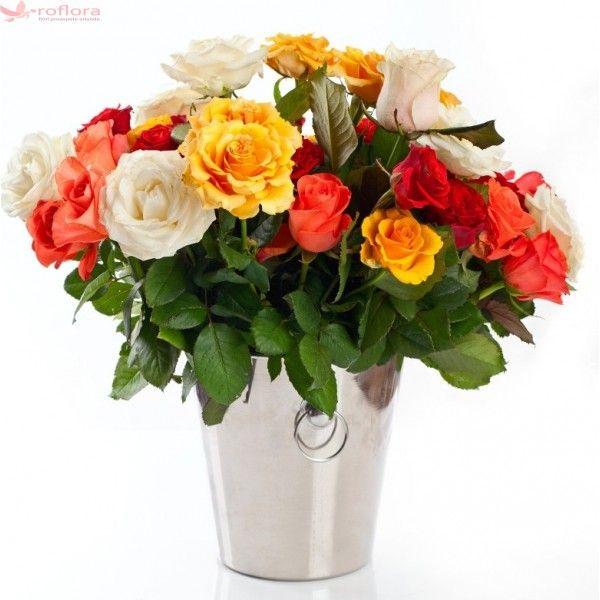 Rainbow Roses - Buchet din trandafiri multicolori