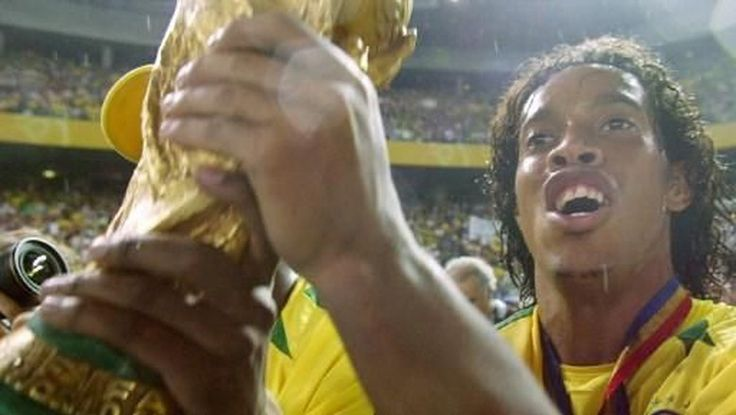 Kenangan Indah Ronaldinho diLapangan Hijau