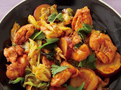 コウ ケンテツ さんの鶏もも肉を使った「タッカルビ」。鶏肉をコチュジャンベースのたれで焼く料理を意味するタッカルビ。今回は、使いやすいもも肉で鶏肉のうまみを実感しましょう! NHK「きょうの料理」で放送された料理レシピや献立が満載。
