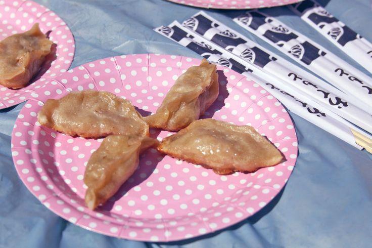 Gyoza japanese ravioli. Ravioli giapponesi. Recipe on http://dilycious.com/en/ricette/japanese-ravioli-gyoza/ 