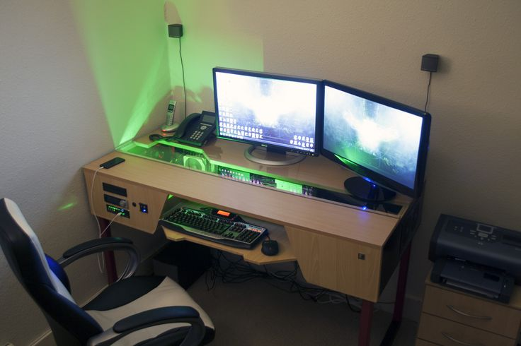 Furniture: contemporary wooden gaming station computer desk design