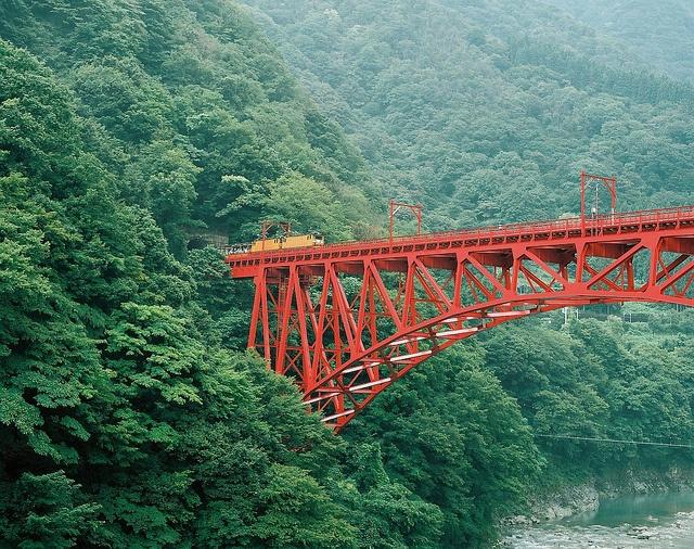 黒部峡谷鉄道, via Flickr.