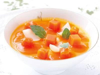 三國 清三 さんの「にんじんの和風プディング」。だしの香りとクリーミーなにんじんの茶わん蒸しは、新感覚でおしゃれな味。にんじんのピュレをつくっておけば、手軽にできます! NHK「きょうの料理」で放送された料理レシピや献立が満載。