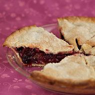 Appleberry Pie - vegan, from Isa Moskowitz's pie book...need I say more!  I need to make this!