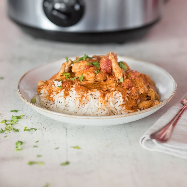 Das Tikka Masala Hühnchen ist ein klassisches Curry-Gericht. Aber erst im Slow Cooker entwickelt es seinen vollen Geschmack: exotisch, feurig, zart.