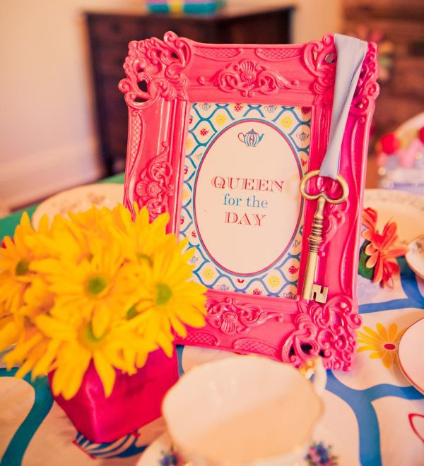 Alice-in-wonderland-birthday-party-queen-for-a-day